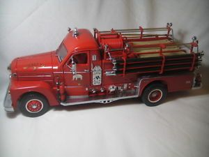1 24 Scale Model Yatming Fire Engine Diecast Toy 1958 Seagrave 750 Somers FD