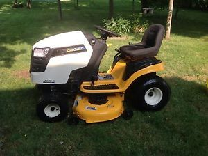 Cub Cadet LTX1045 Riding Lawn Mower