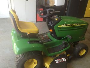 "John Deere LX255 42"" Lawn Tractor Riding Mower"