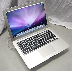 Apple MacBook Air Laptop A1237 MB003LL A 1 6GHz CPU 2GB RAM 80GB SSD HD
