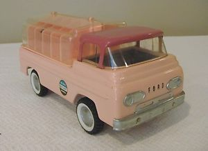 Nylint Dog Kennels Ford Econoline Pick Up Truck V RARE 60's Mint 100 Original