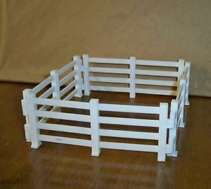 Breyer 4 White Fences Stablemate SM Farm Ranch Corral Barn Stable Animals