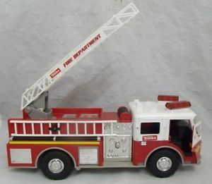 2004 Tonka Hasbro Toy Plastic Fire Department Truck w Voice Lights and Sounds