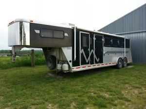 2001 Adams 4 Horse Slant Trailer w Front Living Quarters Rear Tack