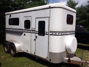 1999 Bison Two Horse Trailer with Dressing Room