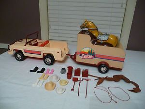 Vintage Barbie Jeep Horse Trailer with Horses Accessories 1973