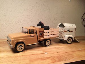 Tonka Farm Truck with Horse Trailer