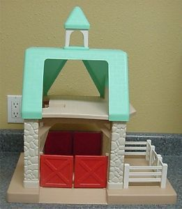 Little Tikes Dollhouse Stable Steeple Roof 2 Horse Jeep Trailer Jockeys Tractor