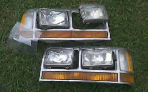 1990 Ford Crown Victoria Vic Headlight Assembly'S