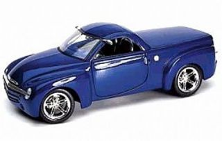 2000 Chevrolet SSR Concept Pickup Maisto Special Edition Diecast 1 18 Scale Blue