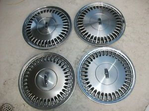 "1988 93 Lincoln Town Car or Continental 15"" Hubcaps Hollander 868"