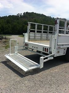 Aluminum Utility Truck Bed with Air Compressor Hydraulic Lift Gate Boxes