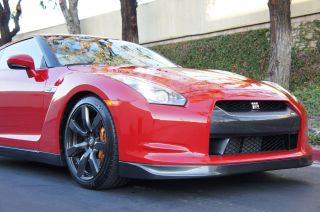Nissan GT R Coupe Navigation iPod Xenon Bose Heated Seats Leather 10KMILES