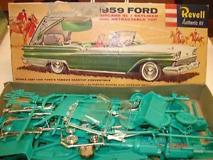 Vintage 1958 Revell Authentic Kit Model 1959 Ford Fairlane 500 Skyliner Car