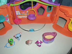 Littlest Pet Shop Tree House with Pets and Accessories LPS Hasbro