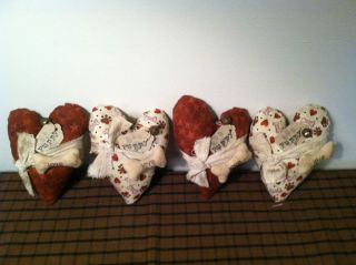 "Primitive Valentines Day ""Puppy Love "" Heart Ornies Set of 4"