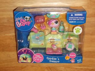 2010 Hasbro Littlest Pet Shop Sparkles 'N Treasure Parrot 1875 LPS Playset
