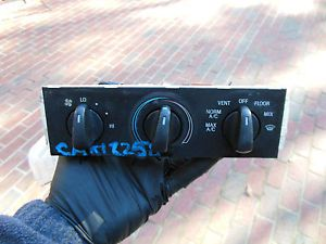 9169 Ford Mustang 99 00 01 Temp AC Heat Climate Control Panel Unit Switch