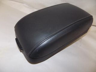 01 05 02 Hyundai XG Arm Rest Center Console Lid 2001 2002 2003 2004 2005 1568
