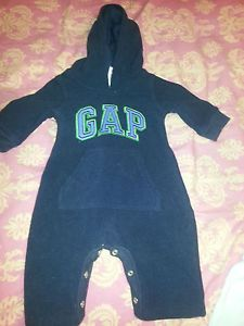 Lot of 9 Newborn Infant Baby Boy Clothes Onesies Gap Old Navy 0 3 Months