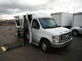 08 Ford E350 Handicap Van Wheel Chair Lift Braun Lift Runs Perfect Clean
