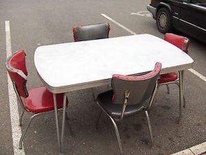 Dinette Mfg Co Retro Dinette Kitchen Table 4 Chairs Chrome Metal Yellow Formica