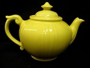 Vintage Dalton Pottery Teapot Pitcher with Lid Bright Yellow 3 Cup