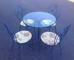 Vintage Mid Century Wrought Iron Indoor Outdoor Bistro Set Table and Chairs