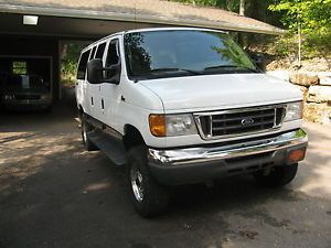 2007 Ford Chateau 4x4 Van 4CAPT Chairs RARE Rear Bed Seat