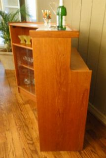 Vintage Mid Century Hollywood Style Martini Bar Liquor Drinks Cabinet