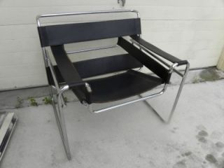Vintage Pair Mid Century Wassily Black Leather Chrome Chairs by Knoll No Mark