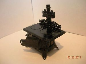 Dollhouse Miniature Half inch Scale Colonial Iron Stove