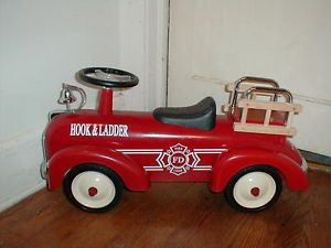 Classic Cruiser Metal Ride on Hook Ladder Fire Engine Truck Toddler Retro Styl