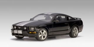 Ford Mustang GT 2005 Black Silver 1 18 Red Autoart