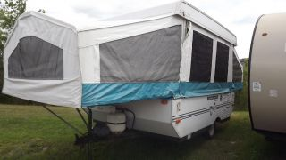 1998 Forest River Rockwood Freedom 1940 Camping Trailer