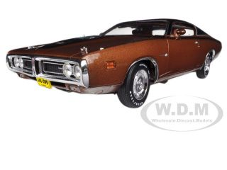 1971 Dodge Charger Super Bee Bronze 4SPD 440 Magnum 1 18 by Autoworld AMM1003