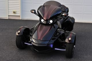 Black Can Am Spyder Corbin Demo Bike Lots of Accessories Custom Paint