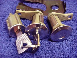 Early Ford Bronco 66 67 68 69 70 71 72 77 Door Lock Set and Ignition with Keys