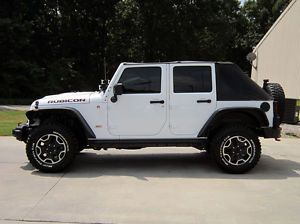 2013 Jeep Wrangler Rubicon 10th Anniversary Edition Wheels and Tires