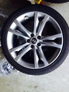 2011 Hyundai Genesis Track Wheels and Tires