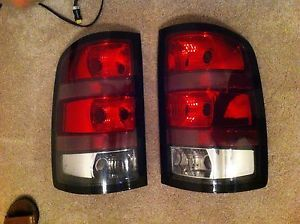 2007 2012 GMC Sierra Denali Tail Lights Parts 25958486 25958487