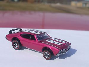 Red Line Hot Wheels Custom Magenta Olds 442 Very RARE Car Mint