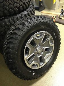 2014 Jeep Wrangler Rubicon Factory Tires and Wheels Set of 5