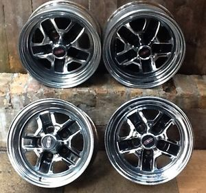Oldsmobile Cutlass Supreme 442 Rally Wheels 14 inch Chrome Rims