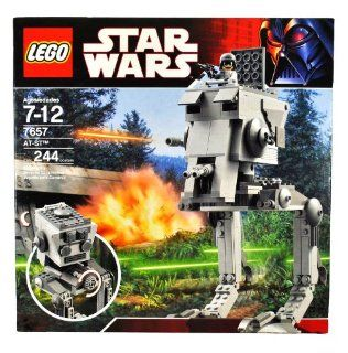 Lego Year 2007 Star Wars Series Vehicle Set # 7657   All Terrain Scout Transport AT ST with Side Mounted Weapons, Opening Pilot Hatch Plus AT ST Pilot Minifigure with Helmet and Blaster (Total Pieces 244) Toys & Games