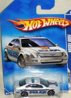 Hot Wheels 2010 109 Ford Fusion Police Car HW City Works #3 of 10 WHITE 164 Scale Toys & Games
