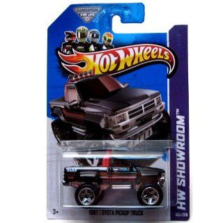 2013 Hot Wheels Hw Showroom 1987 Toyota Pickup Truck 165/250 Toys & Games