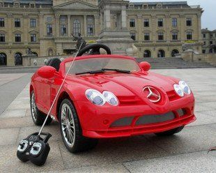 2014 MODEL 4CH Remote Controlled Electric Licensed Mercedes Benz Ride On Car for Kids Ages 2 4 with Lights & Music 2 motors 12 volts Toys & Games